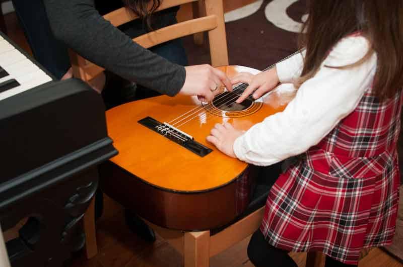 Musicoterapia, experimentar o instrumento, Paula Rosado